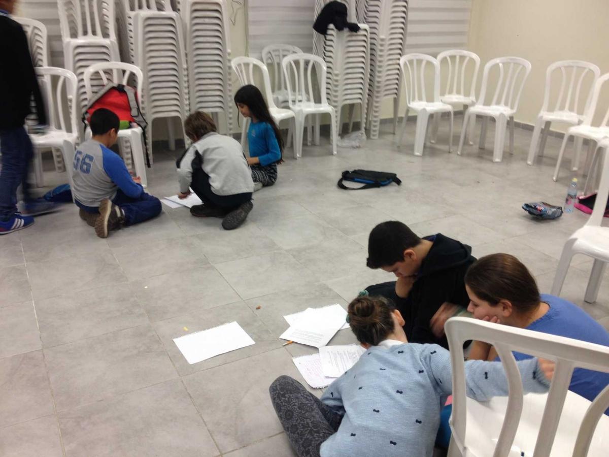 חנוכה בקבוצת פתח תקווה יסודי 15.12.2014